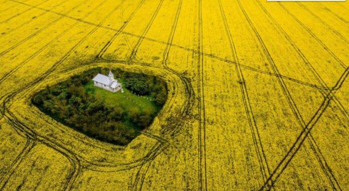 Destinatii mai putin cunoscute din Romania. Biserica din pustietate si legenda ei