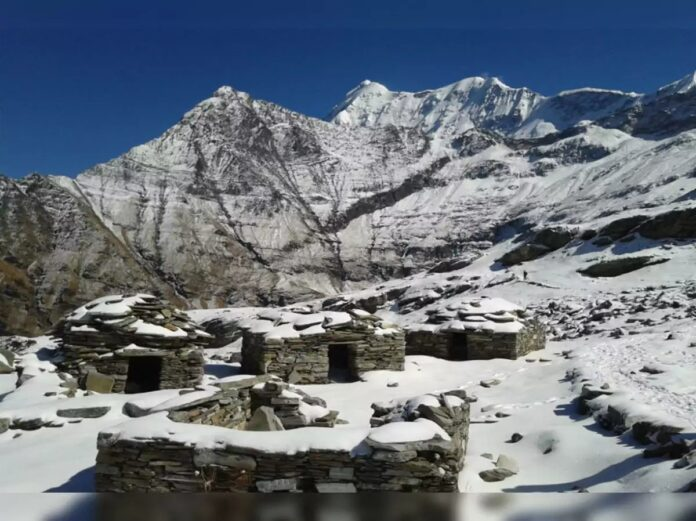 Lacul Roopkund. Misterul lacului din Himalaya, plin de schelete umane