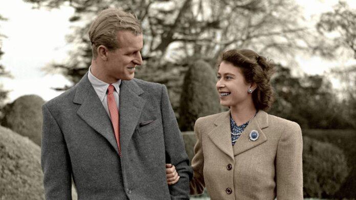 Cum a inceput, de fapt, povestea de iubire dintre Regina Elisabeta a II-a si Printul Philip