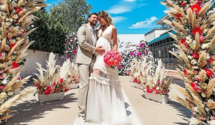 Dani Otil si Gabriela Prisacariu s-au casatorit! Uluitor ce a purtat mireasa pe mana. Nu s-a mai pomenit asa ceva